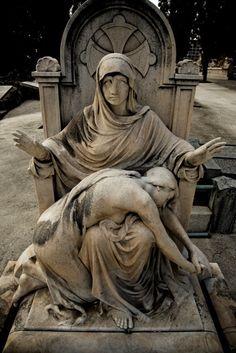 Sepultura Hermanos Lizé, Cementerio de Montjuic by Àlbums de Cementiris de Barcelona, via Flickr