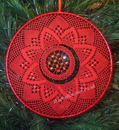 A Torchon bobbin lace pattern to make lace for Christmas decorations The pattern uses 24 pairs and Finca 30 or stranded embroidery thread The design Hairpin Lace Crochet, Crochet Motif, Crochet Shawl, Crochet Edgings, Bobbin Lace Patterns, Bead Loom Patterns, Poinsettia Flower, Lace Earrings, Lace Making