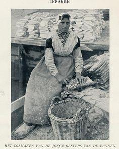 Ierseke Oesters 1900-1920 by janwillemsen, via Flickr #Zeeland #ZuidBeveland #protestant