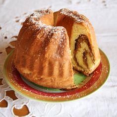 Österreichische Mehlspeisenklassiker | Kochen und Küche Austrian Recipes, Bagel, Sweets, Bread, Regional, Food, Creative, Delicious Recipes, Cooking Recipes