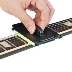 1 unids Eléctrica Guitarra Bajo Cuerdas Scrubber Diapasón Rub Herramienta de Limpieza Cuidado de Mantenimiento Bajo Limpiador de Accesorios de Guitarra