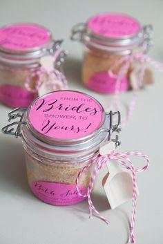 omg sooo doing this 10 diy bridal shower favors love this idea