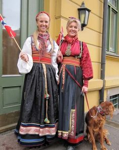 Bilderesultat for beltestakk Traditional Fashion, Traditional Dresses, Folk Costume, Costumes, Sons Of Norway, Scandinavian Embroidery, Folk Clothing, Scandinavian Countries, Thinking Day