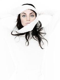 En el portafolio que ahora te compartimos, miras a la modelo Vicky Furnari.