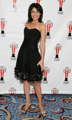 Picture of Lisa Edelstein Black Dress Red Carpet, Lisa Edelstein, Strapless Dress Formal, Formal Dresses, Fendi, My Style, House Md, Vip, Shopping