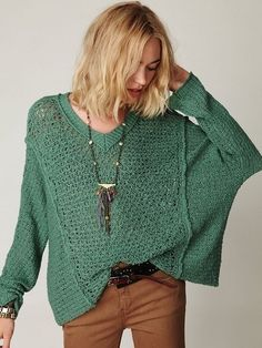 Free people Laguna pullover sweater One of the most comfortable sweaters ever! The perfect go to piece for everyday wear. No rips, stains or pulls. Casual Winter Outfits, Cool Outfits, Look Fashion, Autumn Fashion, Lookbook, Sweater Outfits, Dress To Impress, Ted Baker, Knitwear