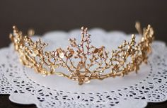 Gold Goddess Wedding Crown Circlet with Gold Leaf,Small Flowers and Little Butterflies, Gold crown with little butterfly and Flowers SALE-Golden Goddess Wedding Crown Circlet Wreath with Golden Leaves, Small Flowers and Little Butterflies Cute Jewelry, Hair Jewelry, Wedding Jewelry, Golden Goddess, Accesorios Casual, Mode Blog, Princess Aesthetic, Beautiful Goddess, Circlet