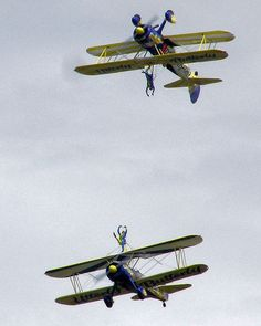File:Air.show.utterly.arp.500pix.jpg Dance me to the end of flying!