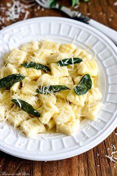 Ricotta-Gnocchi in Salbeibutter – Flavoured with Love