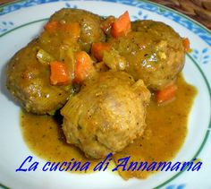 POLPETTINE AL CURRY - Qui la #ricetta #BlogGz: http://blog.giallozafferano.it/lacucinadiannama/polpettine-al-curry-ricetta-gustosa/ #GialloZafferano #polpette #secondopiatto #curry