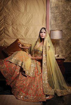 2015 trendy bridal lehenga designs for indian wedding Mehndi Outfit, Mehndi Dress, New Bridal Dresses, Bridal Outfits, Wedding Dresses, Indian Bridal Wear, Asian Bridal, Indian Attire, Indian Ethnic Wear