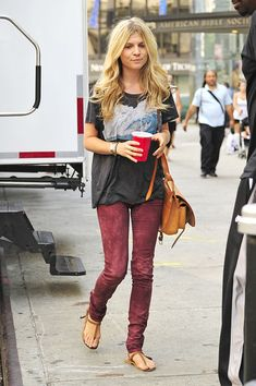 Clemence Poesy - Ed Westwick on the Upper West Side