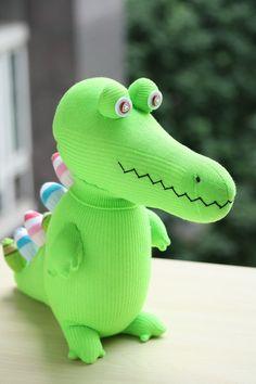 T8 Stuffed green Crocodile toy plush girl doll door Toyapartment