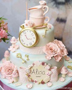 کیک فوندانت جشن تولد دخترانه با تم آلیس در سرزمین عجایب (Alice in Wonderland)