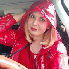 Pink Raincoat, Plastic Raincoat, Rain Bonnet, Best Rain Jacket, Rainy Day Fashion, Rubber Raincoats, Hooded Cloak, Rain Gear, Girls In Love