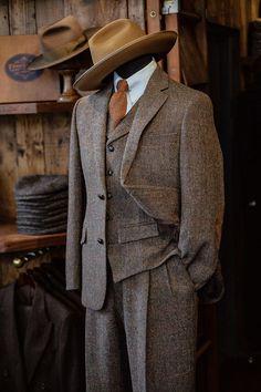 Mens Tweed Suit, Tweed Waistcoat, Tweed Suits, Mens Suits, 1940s Fashion, Suit Fashion, Mens Fashion, English Gentleman, Gentleman Style
