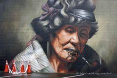 Artist Owen Dippie, recreated (freehand ) the legendary portrait of Ina Te Papatahi, of Nga Puhi tribe, which was originally painted by Charles Goldie in 1902 Graffiti Murals, Mural Art, Maori Designs, New Zealand Art, Nz Art, Maori Art, Outdoor Art, Street Artists, Public Art