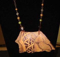 Zentangling gourd jewelry~ I am SOOOoo going to make these, when my gourds are ready.or after I Buy some gourds :D Macrame Jewelry, Jewlery, D Flowers, Hand Painted Gourds, Gourd Lamp, Coconuts, Walking Sticks, Woodburning, Zentangles