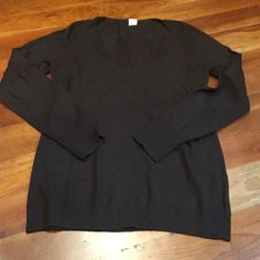 Make an offer! J. Crew Brown V-neck Sweater J. Crew Brown V-neck sweater, Size M, great condition. 40% Merino Wool, 30% Viscose, 20% Angora Rabbit Hair, 10% Cashmere. Great for dress up or casual attire. J. Crew Sweaters V-Necks