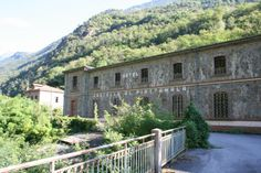 The Castello Di Piattamala can be found on Strada Statale 38a in the town of Tirano in the Valtellina Valley, the province of Sondrio of the Lombardy Region, Italy.