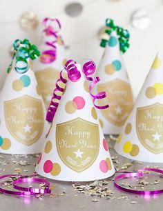 DIY Party Hats in Champagne Style - Free Printable Download
