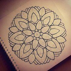 Explore Gromova_Ksenya's photos on Flickr. Gromova_Ksenya has uploaded 903 photos to Flickr. Islamic Art Pattern, Mandala Pattern, Zentangle Patterns, Pattern Art, Zentangles, Mandala Art Lesson, Mandala Drawing, Mandala Painting, Realistic Flower Drawing