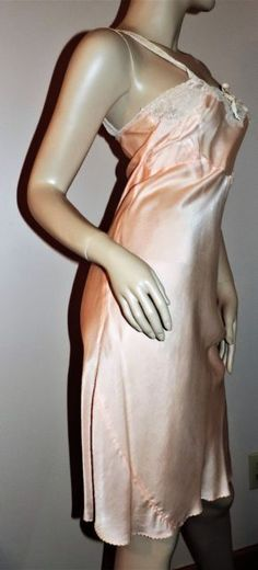 Vintage 1940s Full Slip SALE EVERY STYLE EVERY SIZE Pure Silk Bias Cut Peach Sm | eBay