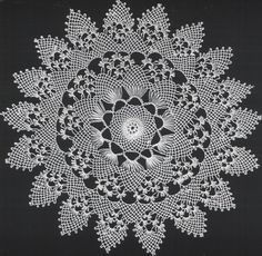 SWScan00059 (786 x 768).jpg (786×768) Unique Crochet, Crochet Art, Crochet Doilies, Crochet Patterns, Needle Lace, Needle And Thread, Snowflake Pattern, Point Lace, Filets