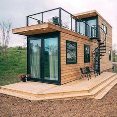 Maison conteneur Tiny House Loft, Modern Tiny House, Tiny House Living, Small House Design, Tiny House Plans, Contener House, Story House, Living Room, Container Home Designs