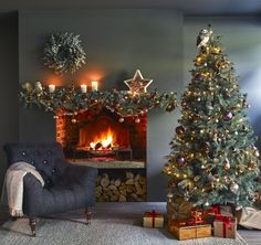 Christmas by English brand John Lewis is always wonderful and inspiring: lush festive trees, lots of bright and cheerful toys, shiny decorations, and ✌Pufikhomes - source of home inspiration Christmas Fireplace, Christmas Room, Silver Christmas, Noel Christmas, Christmas Lounge, Christmas Mantles, Victorian Christmas, Christmas 2017, Country Christmas
