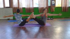 Partner Yoga: Double boat twist #asana #yoga #navasana #boatpose #partneryoga #fitness #health