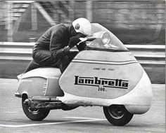 The Lambretta is so well conceived that it starts setting world records the year after it is launched. These Italian scooters challenge th. Moto Scooter, Lambretta Scooter, Vespa Scooters, Vespa T5, Tricycle, Monet Goyon, Ducati, Motocross, Jaguar