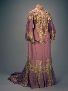 Day dress of Empress Alexandra Feodorovna, 1900  From the State Hermitage Museum