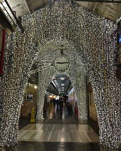 Ma a New York è ancora Natale? #MContheroad #MCShooting #ChelseaMarket #NewYorkCity  via MARIE CLAIRE ITALIA MAGAZINE OFFICIAL INSTAGRAM - Celebrity  Fashion  Haute Couture  Advertising  Culture  Beauty  Editorial Photography  Magazine Covers  Supermodels  Runway Models