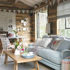 Have you always dreamed of your very own she shed? Here& how to create a chic and pretty hideaway where you can work or relax Have you always dreamed of your very own she shed? Heres how to create a chic and pretty hideaway where you can work or relax Guest Room Baskets, Living In A Shed, Shed Decor, Home Decor, Summer House Interiors, Summer House Furniture, Shed Office, Garden Office, Office Playroom
