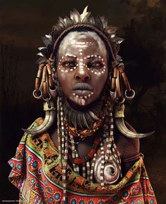 Http://Travelnerdnici.Com more cg art, mursi tribe, african tribal makeup, Cara Tribal, Tribal Face, Tribal People, Tribal Women, African Tribes, African Women, Cg Art, Female Photographers, African Culture