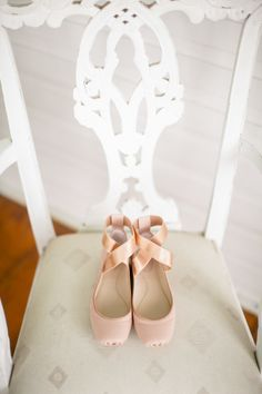 Pink ballet shoes: http://www.stylemepretty.com/2014/08/21/romantic-outdoor-wedding-at-the-winfield-inn/ | Photography: The Nichols - http://nicholsphotographers.com/index2.php