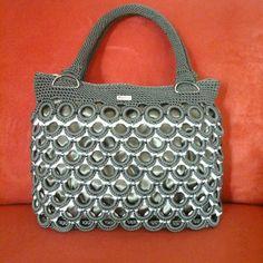 Soda Tab Crafts, Can Tab Crafts, Pop Tab Purse, Pop Tabs, Crochet Handbags, Crochet Purses, Pop Top Crafts, Crochet Rings, Craft Bags