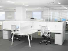 Interpret allows for the differences among workers and organizations – including their readiness to embrace the benching concept – by introducing new planning concepts and capabilities, while drawing from the legacy of more traditional enclosed furniture.