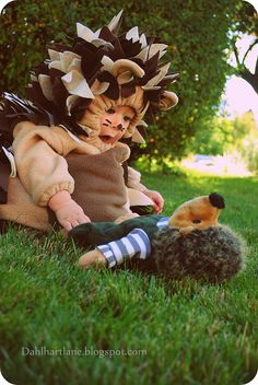 Just when you thought all the cute baby costume ideas might have been used up, along comes this cutie! Check out Dahlhart Lane's Hedgehog c...
