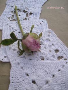 Granny Squares   ....   love idea of doing monochromatic.   yummy in white, fantastic wedding gift!