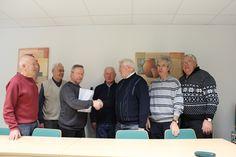 Pokalübergabe nach der Meisterschaft im Skatclub Bube der AWG Eiseanch im Mitgliedertreff.