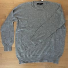NWT!! Grey sweater Simple grey sweater with long sleeves Forever 21 Sweaters Crew & Scoop Necks