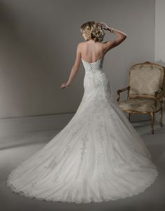 2012 Maggie Sottero Bridal - Ivory Beaded Lace Sweetheart Beatrice Wedding Gown - Sizes: 0 - 28