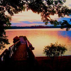 Kemi, Finland. Tässä kuvassa on kaunis näkymä. Kuvassa todennäköisesti on auringon lasku. Kirjoittanut: Jami ja Nella