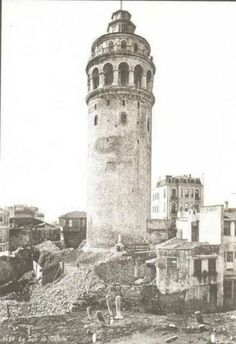 Galata tower – Ebru E. Duvenci – Join the world of pin Pictures Of Turkeys, Old Pictures, Old Photos, Wonderful Places, Beautiful Places, Turkey History, Empire Ottoman, Photos Voyages, Asia