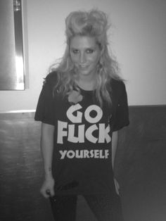 Kesha's awesome Shirt♥ #Kesha #Kesha_Sebert #Celebrities