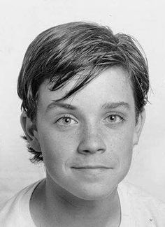 Celebrities Then And Now, Young Celebrities, Young Actors, Tv Actors, Actors & Actresses, Celebs, Robbie Williams, Cuadros Star Wars, Cinema