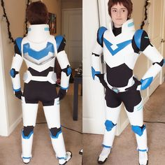 Full paladin Lance cosplay test. This cosplay is REALLY hard to get into. I need to figure out a better strategy of putting it on because I had to put the chest piece on before my wig so my wig, to me, looks nasty and not pinned down. (I could just...