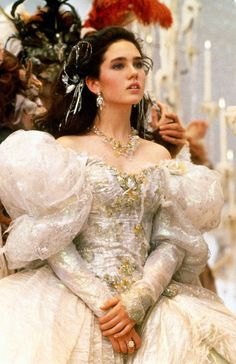 jennifer connelly labyrinth - OMG Would Juan go for this next year! Labyrinth Film, Sarah Labyrinth, Movie Costumes, Cosplay Costumes, Halloween Costumes, Jennifer Connelly Labyrinth, Jennifer Connelly Movies, Masquerade Ball Gowns, Venetian Masquerade